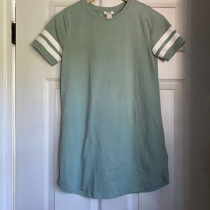 Perfect T-shirt dress for everyday!!